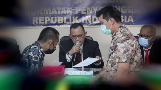 Erlyando Saputra Dicopot Dari Ketua KPU Kukar