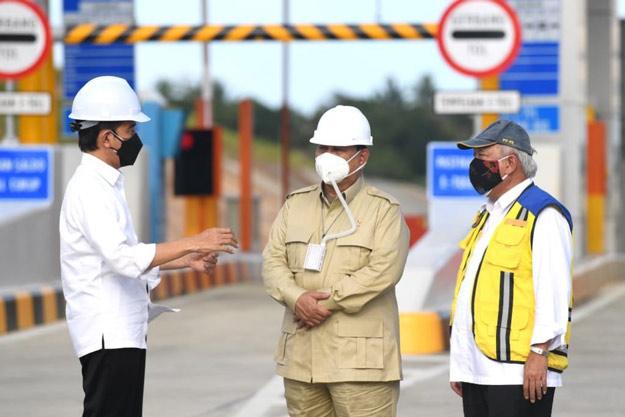 Ke Kaltim, Presiden Jokowi Resmikan Jalan Tol pertama di Kalimantan
