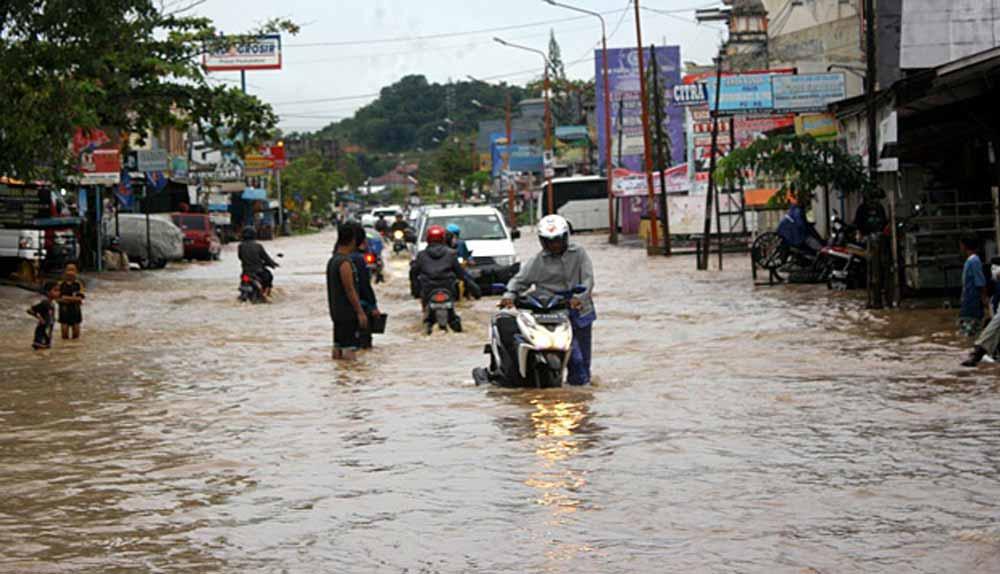 Samarinda diterjang  Banjir, Ketua DPRD sebut Walikota ada di Jerman