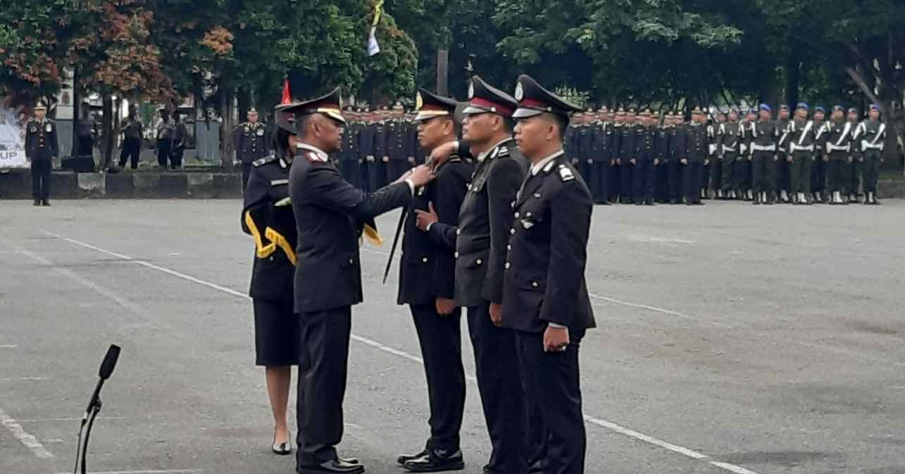 Tiga Orang Perwakilan Personel Polresta Samarinda Terima Tanda Kehormatan Dari Presiden RI