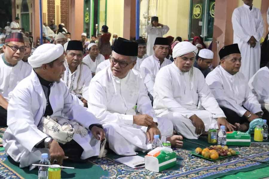 Ratusan Jamaah Penuhi Maulid Nabi Masjid Ar-Raudhah Tinggiran