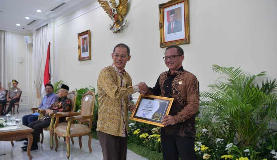Kominfo Kaltim Raih Anugerah Keterbukaan Informasi dari KI Pusat
