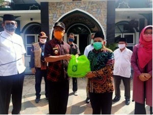 Lagi, Pemkot Samarinda serahkan 1.207 Paket Sembako