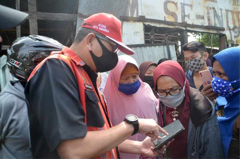 Hari Ke-3, Sekda Sugeng Kembali Pimpin Penertiban Rumah Di Bantaran Karang Mumus
