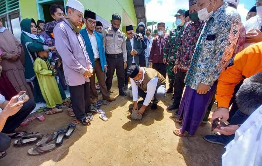 Bupati Kukar Edi Damansyah Hadiri pendirian Ponpes Ulumul Quran di Desa Perjiwa