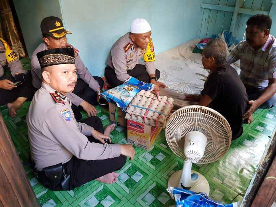 Ditemui Kapolresta Samarinda, Kakek Marsudi Menderaikan Air Mata